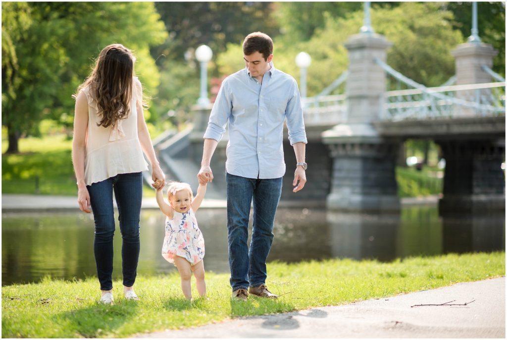 Family walking in Boston Public Gardens what to wear for spring photo session